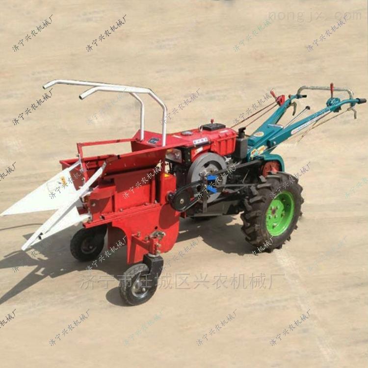山区小型掰棒子摘穗机186自走式玉米收割机
