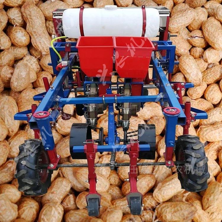 土豆喷药起垄覆膜机新型花生玉米覆膜播种机