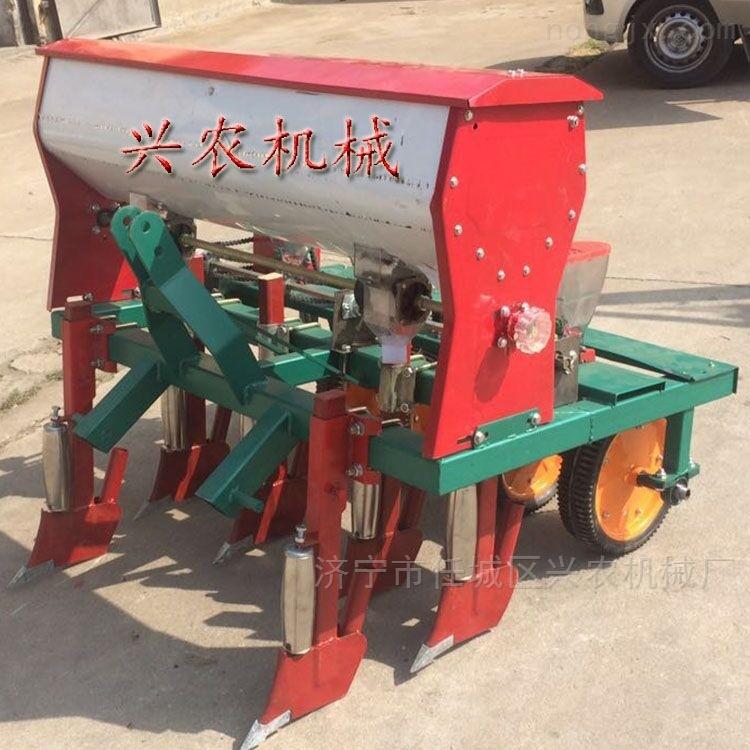 四轮车带蔬菜播种机 多功能下种机