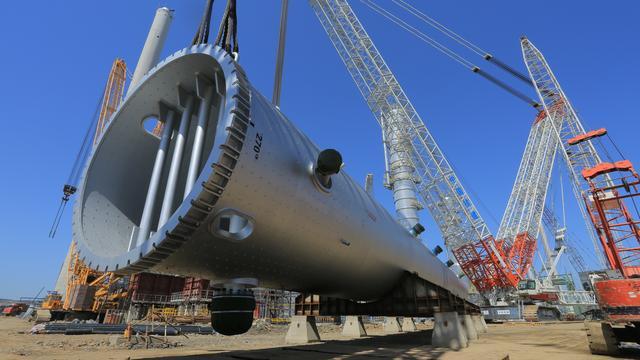 """全国最忙""""大国重器"""" 中联重科3200吨起重机再刷新纪录"""